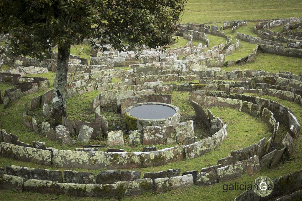 Laberinto de piedra del Pazo de Tor | galicianGarden