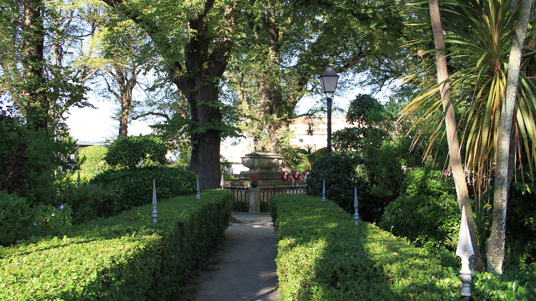 Especial halloween jardines con misterio galiciangarden for Jardin 81 san carlos