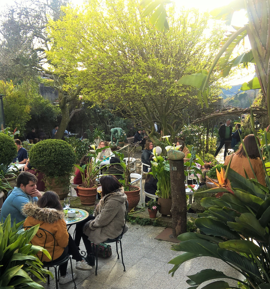 Jardin Cafe Jalan Cimanuk: 6+1 Pausas (con Café) En Jardines Urbanos De Galicia